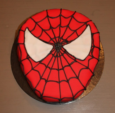 tarta fondant, pasta de azucar, tartas personalizadas, Spiderman, superheroes, cumpleaños, infantil, sorpresa niños