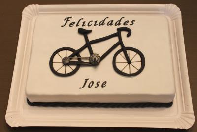 Tarta fondant, tarta deportes, tarta bicicleta, tarta bicicleta fondant, tarta decorada, tarta cumpleaños